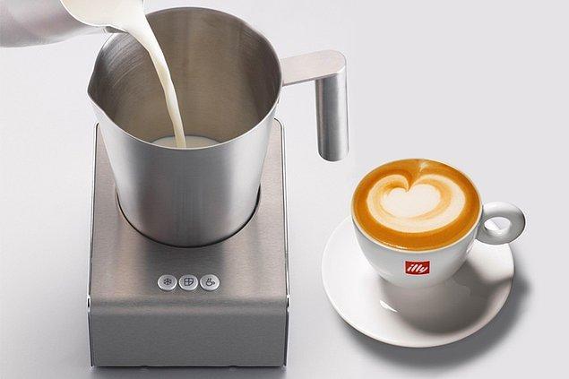 Süt köpürtücülerle evde, 'kahveci kahvesi' yapmak isteyenler olursa, onları da unutmadık. 👇🏻