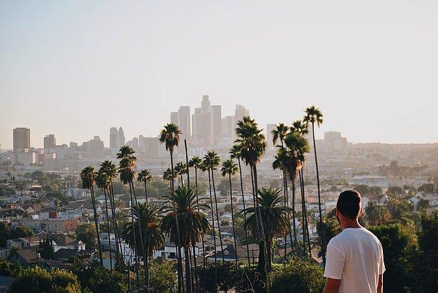 Medyanın ve film sektörünün kalbi olan Los Angeles, pahalı ve lüks yaşam stili ile dünyanın göz alan şehirlerinden bir tanesi. Helikopter turları ile sizlere muhteşem bir deneyim yaşatacak bu şehir, birçok ünlü turist noktalarına sahip.