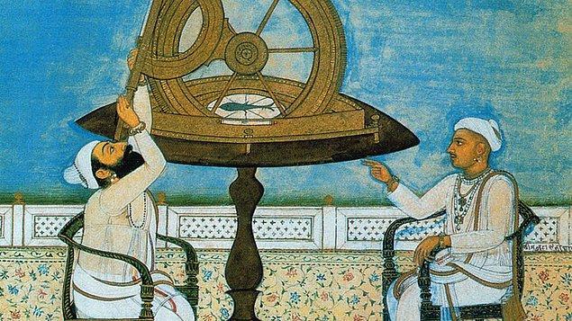 Ancak hapiste başlayan astroloji merakı taht döneminde bağımlılığa dönüşünce zorluklar başladı. Zira geleceği görerek hanedanlığa katkı sağlaması için yanına aldığı müneccim takımı tepki topluyordu.