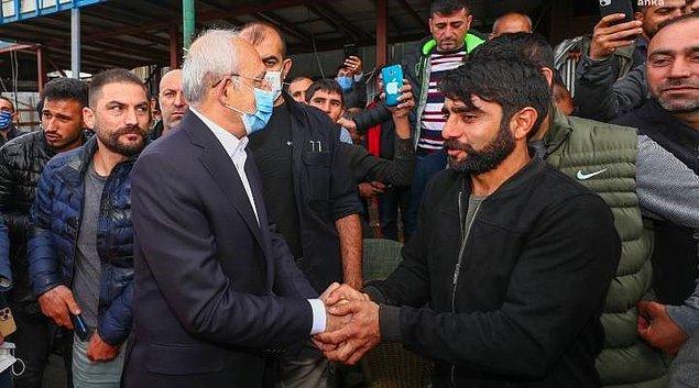 Dün Kemal Kılıçdaroğlu atık kağıt toplayarak geçimini sağlayan işçilerle bir araya geldi ve onların sorunlarını dinledi.