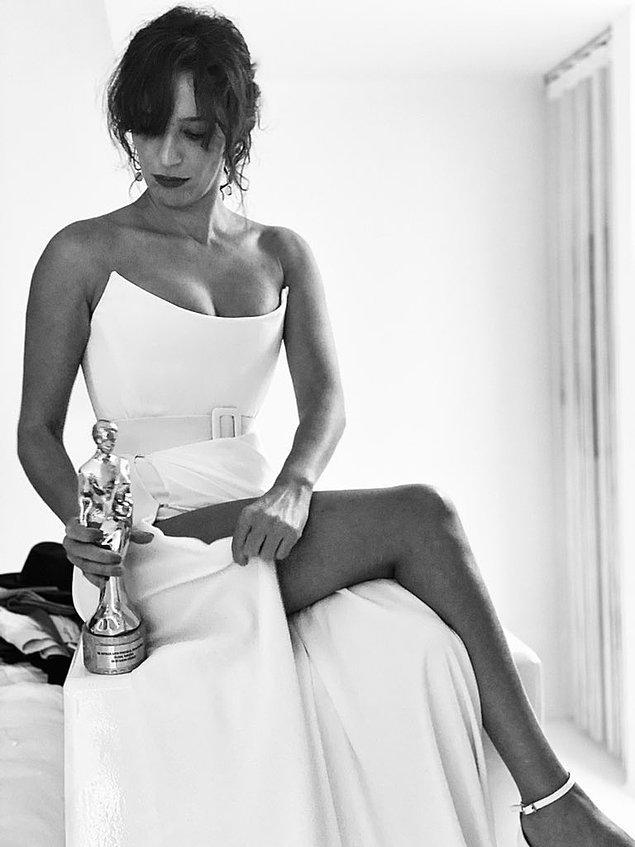 Dün akşam Nihal Yalçın Ulusal Uzun Metraj Film Yarışması'nda En İyi Kadın Oyuncu Ödülü'nü kazandı.