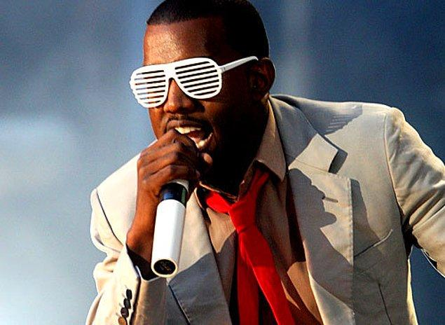 6. Kanye West'in panjurlu plastik gözlükleri bir ara her yerdeydi.