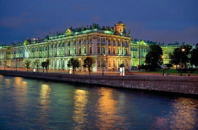 2. Four Seasons Hotel Lion Palace - St. Petersburg, Rusya
