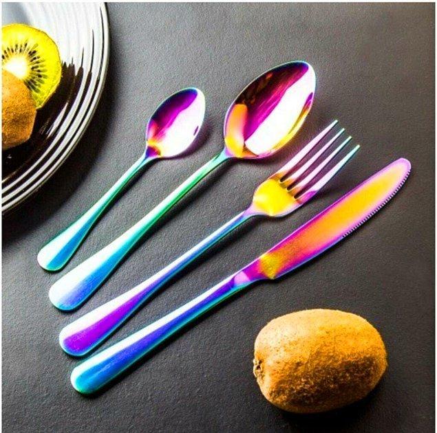 4. Renkli bir çatal bıçak setine ne dersin?