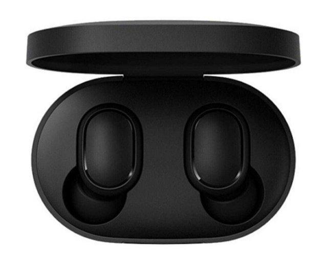 16. Xiaomi Redmi Airdots Tws bluetooth kulaklık ile daha uygun fiyata müziğin keyfini çıkarın!