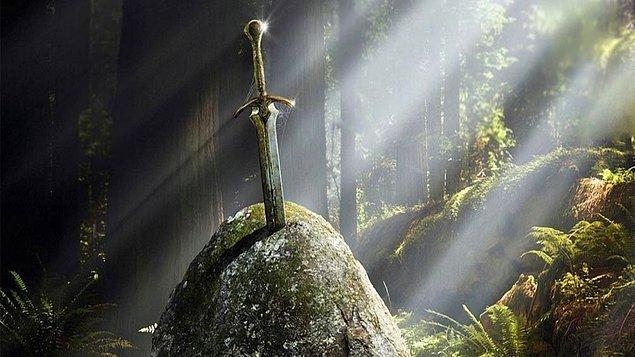 8. Kral Arthur'un Excalibur'u