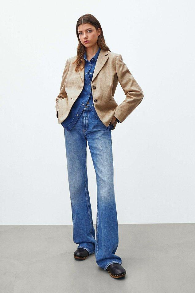 4. İki düğmeli yünlü blazer cool iş kadınları için... Kollarındaki yama detayı da çok nostaljik.