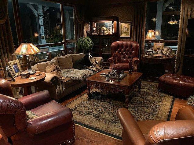 3. İngiliz filmlerinde sıkça gördüğümüz bu salon stili sizi yumuşacık yaptı mı?