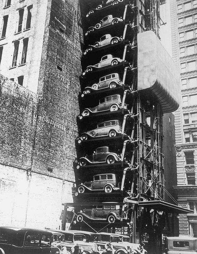 15. Ve son olarak, 1930'lı yıllarda Chicago'daki bir asansörlü otopark: