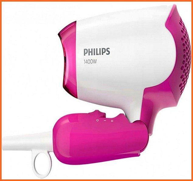 8. Yurda yerleşen çiçeği burnunda üniversiteliler bu fön makinesi sizin için.