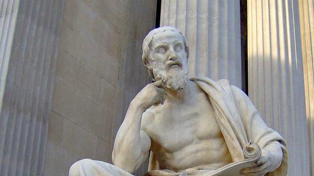 Yunan yazar Herodot, Etrüsklerin kökenine dair bir fikre sahipti.