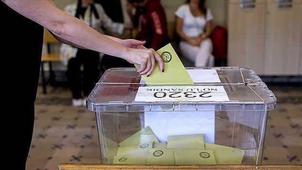 'Elektronik Oy' ile Tanışabiliriz: AKP, Seçimlerde Zarf Kullanmayı Kaldırmaya Hazırlanıyor