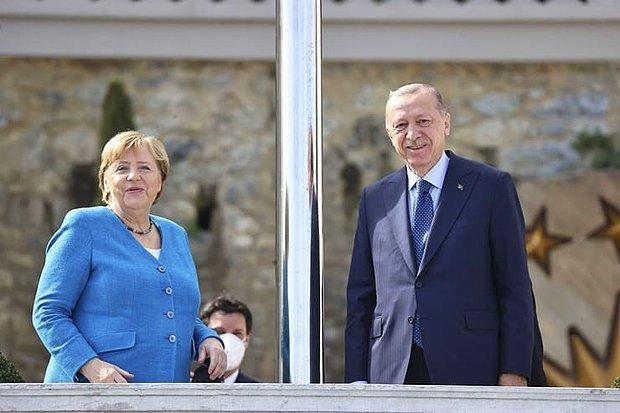 Angela Merkel'le Kamera Karşısına Geçen Cumhurbaşkanı Erdoğan'dan Direk Şakası: Aramıza Başka Bir Şey Girmesin