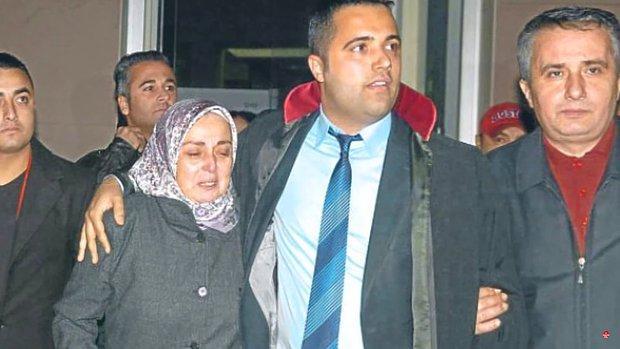 Avukat Rezan Epözdemir: 'Münevver Karabulut'un Ailesi Cem Garipoğlu'nun Mezarını Açtırmak İstedi'